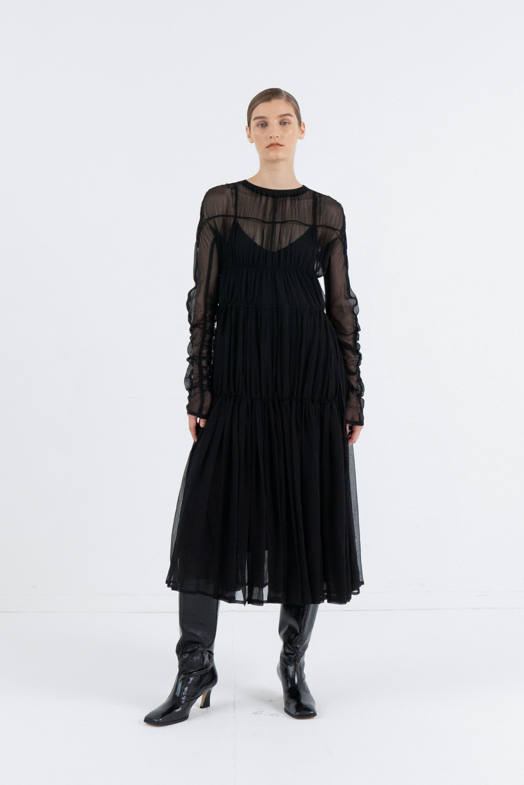 SILK SEE-THROUGH SHIRRING DRESS_BLACK